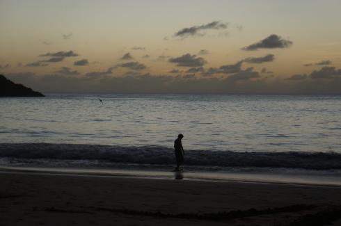 Sol se pondo no mar da praia do Sancho após o nosso mergulho